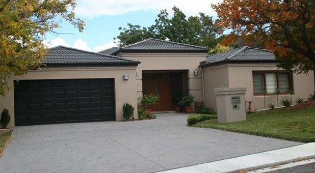 garage doors canberraGarage Doors repairs and servicing